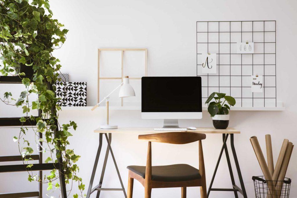 lavorare-da-casa-5-consigli-utili-per-diventare-social-media-manager_corsetty-spora